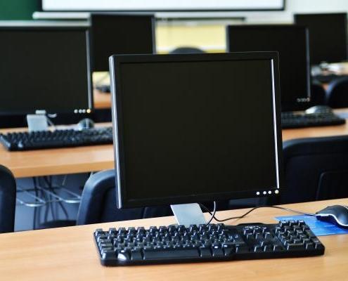 prato collegamento computer in rete privata e aziendale